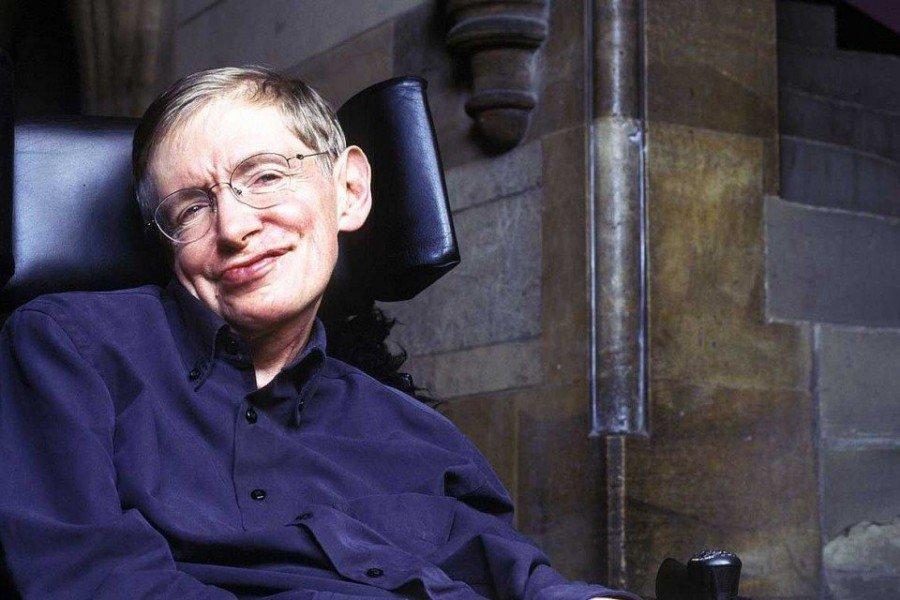 «Наш любимый отец сегодня умер»: Родные сообщили о смерти выдающегося ученого Стивена Хокинга