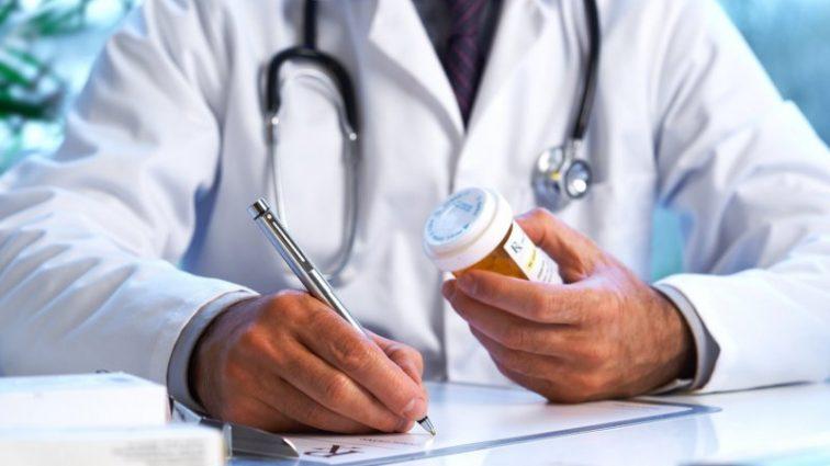 «С собой нужно иметь…»: Как выбрать терапевта, педиатра, семейного врача с 1 апреля