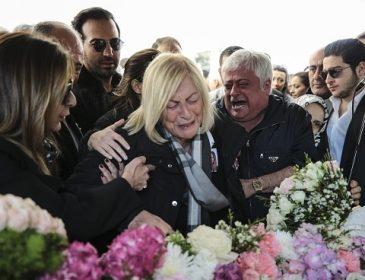 «Мой дорогой ангел. Подожди меня…»: Любимый погибшей невесты не смог сдержаться на ее похоронах
