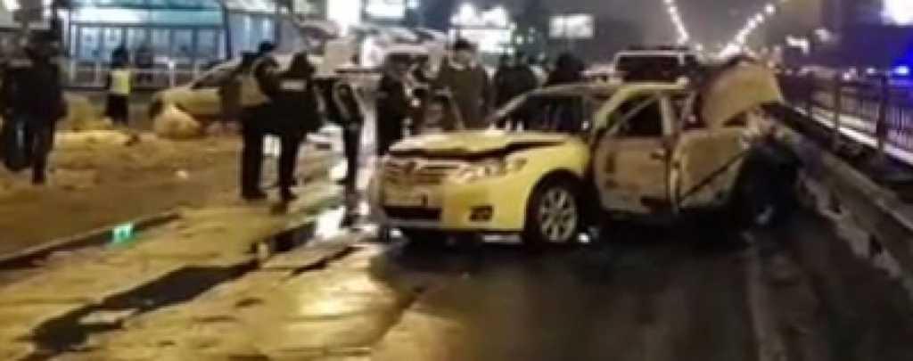 Лихие 90-е возвращаются: Возле станции метро в машину бросили две гранаты, есть пострадавший (ВИДЕО)
