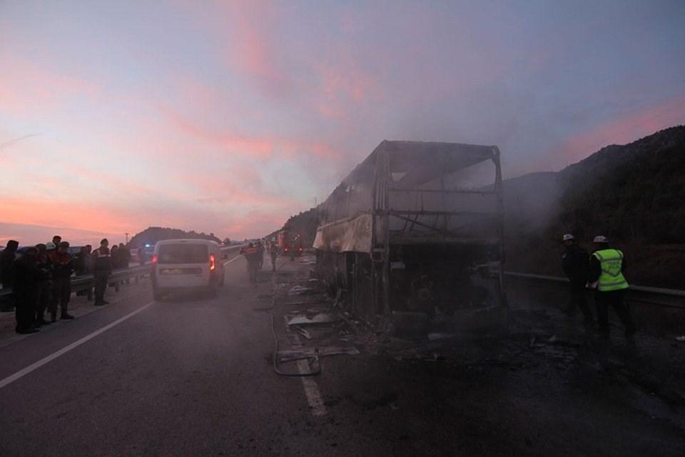 «Погибли как минимум 13 человек, 20 получили ранения…»: Пассажирский автобус на полной скорости протаранил фуру
