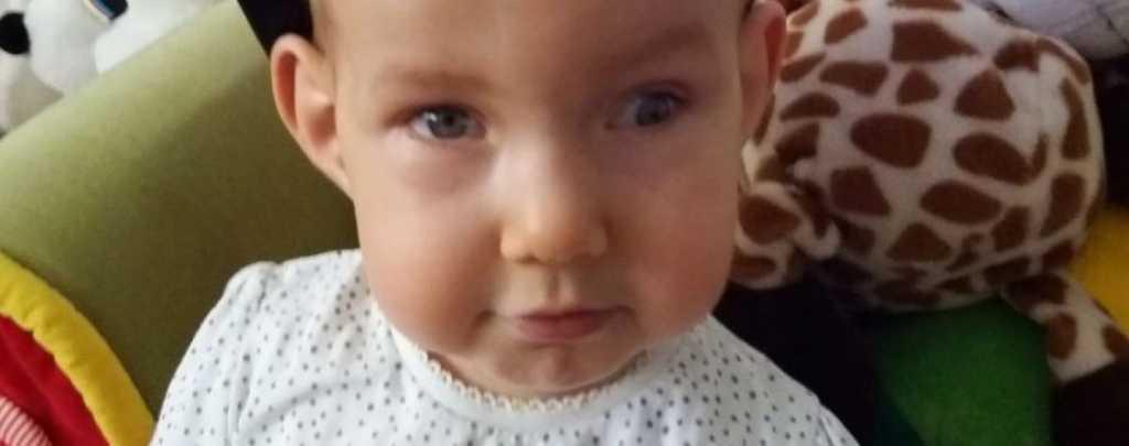 Объездили всех врачей в Украине: Родители просят помочь выжить 2-летней Алисе