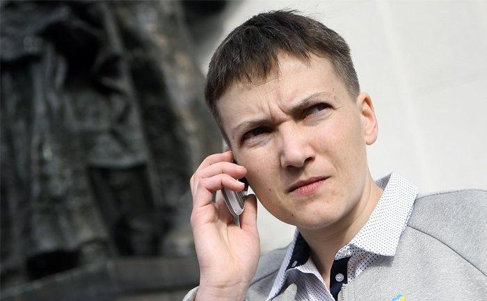 «Заметно набрала в весе и…»: в Сети обсуждают новые фото Савченко, которые она показала из-за рубежа
