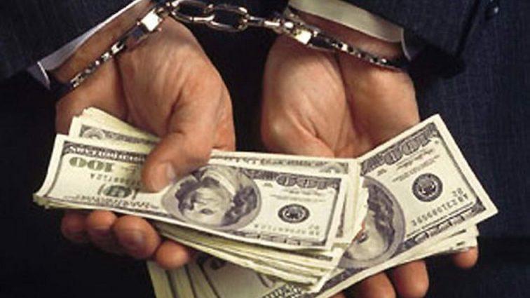 Поймали с поличным: на взятке в $ 15 000 «погорел» следователь полиции