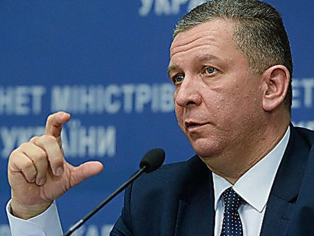 «Несколько вариантов повышения пенсий украинцам, которые имеют…»: Рева сделал новое заявление о выплатах
