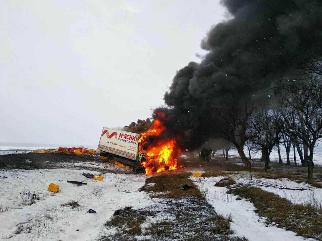 «Черный столб дыма, а от машины остался только каркас» Трое людей заживо сгорели в авто
