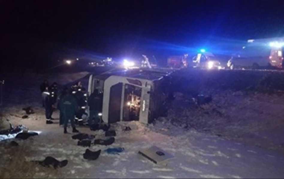 Автобус слетел с высоты 120 метров: Минимум 10 человек погибли