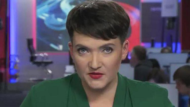 «Сказали прочитать на микрофон сек*уальну сцену…»: Савченко публично выложила свой номер мобильного телефона и сделала заявление