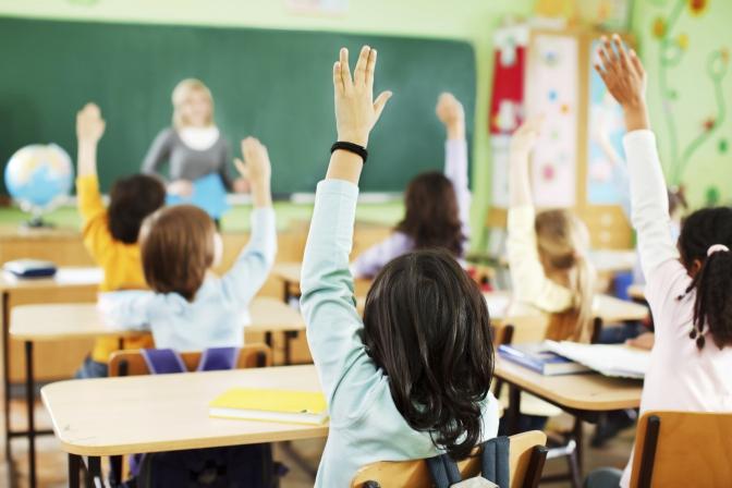 Стало известно, когда восстановится обучения в школах и вузах