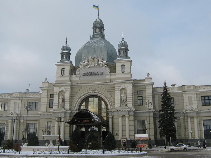 «Без признаков жизни с многочисленными ранениями»: На Львовском вокзале нашли изуродованное тело мужчины
