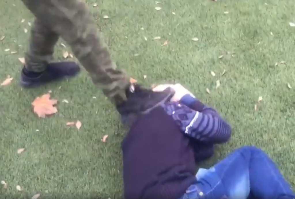 Не поделили девушку: Мужчина забил знакомого до смерти прямо во время застолья