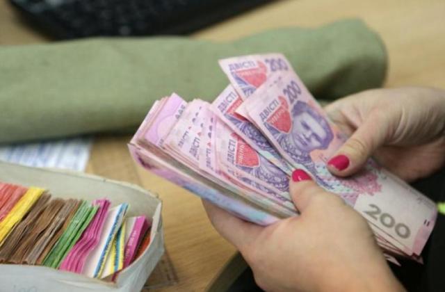 Повышение минимальной зарплаты до 4200 грн: О чем рассказали в Кабмине