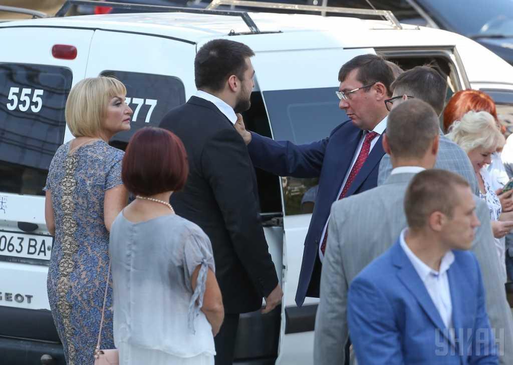 «Расследовать и это преступление генпрокурора…»: За скандальную свадьбу сына Юрия Луценко взялось НАБУ