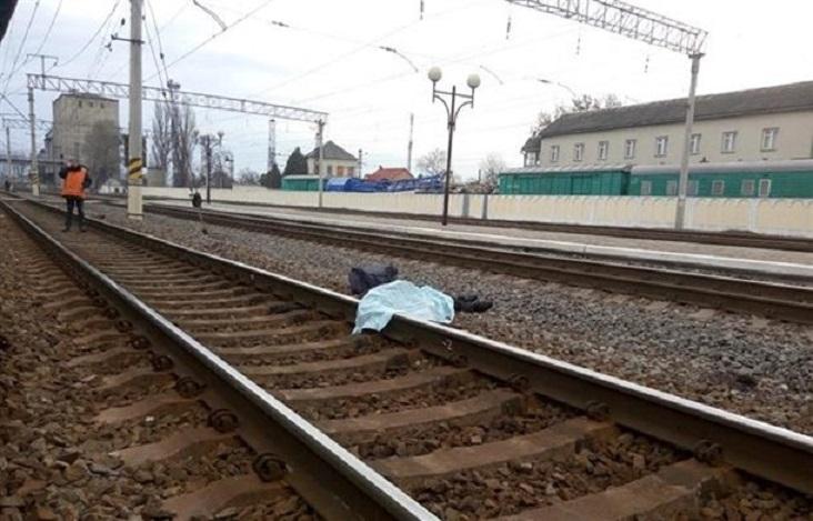 Страшная смерть: Пассажирский поезд сбил мужчину, который хотел перебежать пути