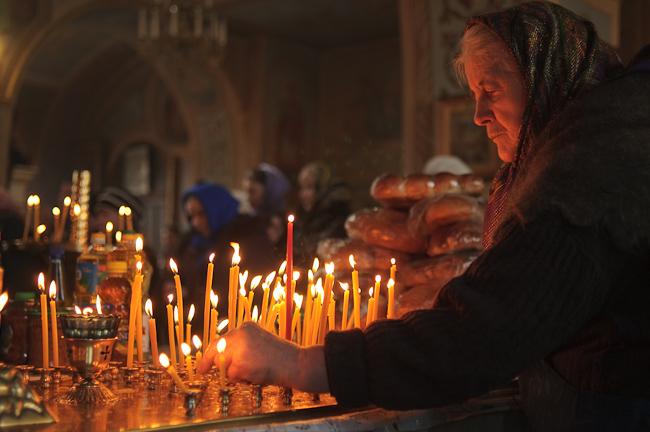 «Когда-то в этот день веселились на кладбищах, а теперь…»: Почему именно 17 апреля предстоит кормить нуждающихся и много молиться
