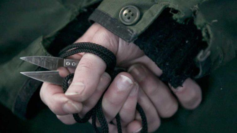 «216 ударов хозяйственными ножницами»: Мужчина зверски расправился со своей матерью-пенсионеркой