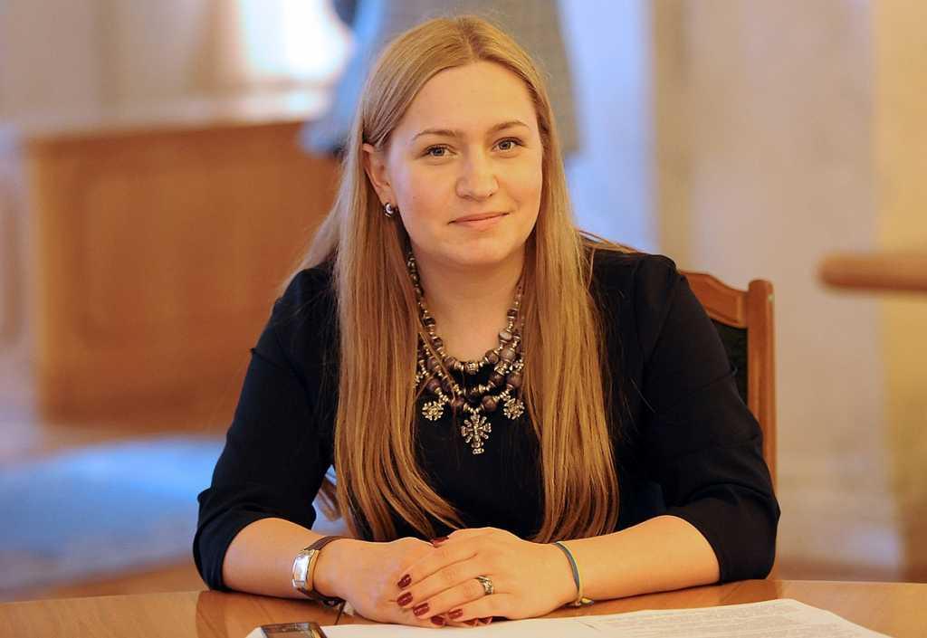 «Конкурентка Садового, которая пристроила мужа на теплое место»: Тайны нардепа от БПП, Оксаны Юринец