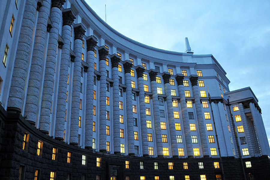 Украшения с бриллиантами и машины стоимостью в дом: Кто они, топ-5 самых богатых жен украинских министров