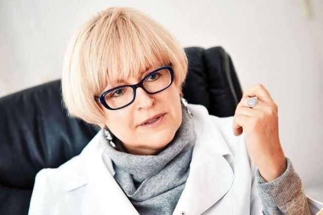 Сама на заседания не явилась: Ректора скандального Медицинского университета имени Богомольца Екатерину Амосову уволили