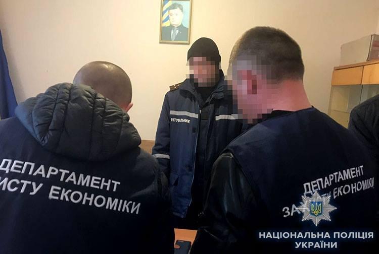 «Поймали на горячем»: Начальник районного сектора ГСЧС попался на взятке