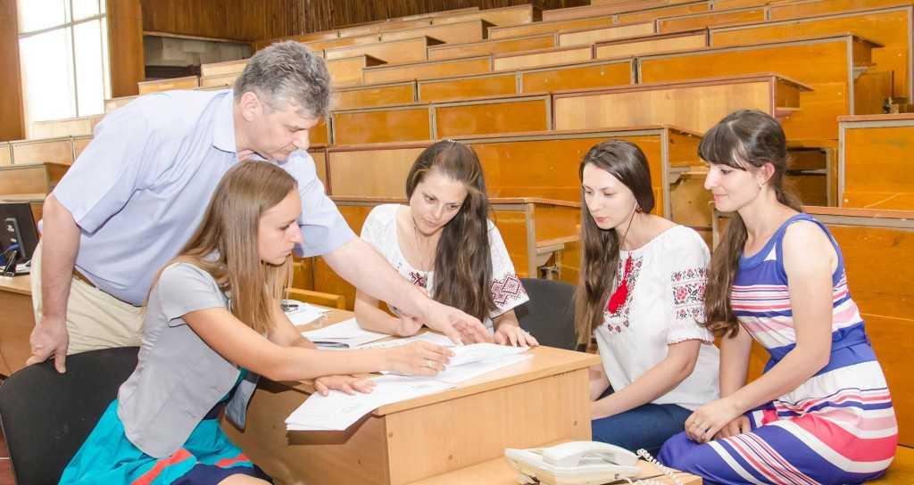 «В общий пакет документов необходимо добавить»: Стало известно, с какими проблемами могут столкнуться украинцы при зачислении ребенка в школу