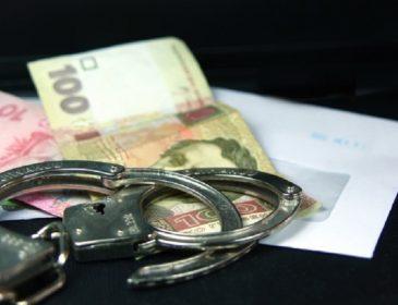 Волынского судью поймали на взятке, в суде продолжаются обыски