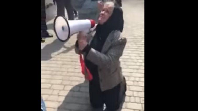 Встала на колени и умоляла: Мать убитой правозащитницы Ноздровской потрясла Украину своим поступком