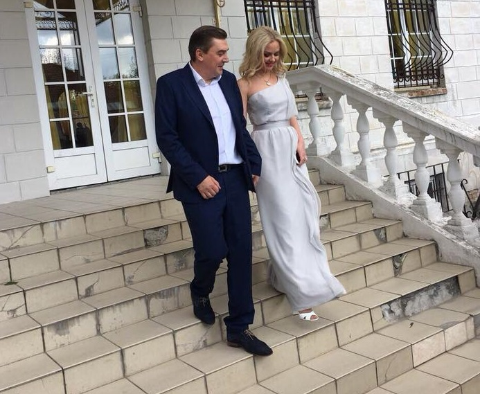 «Нашу любовь только что подтвердило государство»: Добродомов женился второй раз, что известно о новоиспеченную жену нардепа (ФОТО)
