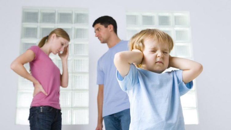 «Наложить штраф и лишить родительских прав теперь могут за…»: В Украине новые правила защиты детей
