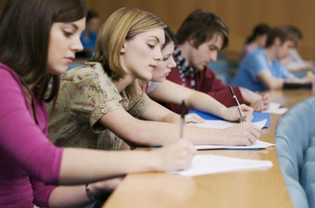 «Не нужно будет…»: Кабмин изменил некоторые правила для выпускников