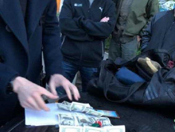 В Киеве арестовали судью, который вымогал взятку в размере 8 тысяч долларов