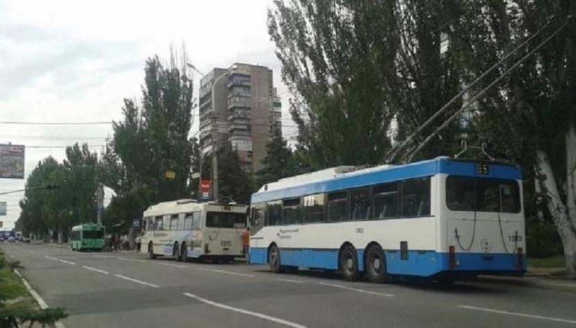 Подростки набросились с кулаками на водителя троллейбуса: Мужчина оказался в больнице