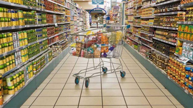 «Не склад, а помойка… товары вперемешку с мусором»: Журналисты показали все ужасы украинских супермаркетов