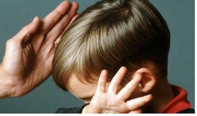 «Удерживал и закрывал рукой рот»: Бывший работник прокуратуры в бассейне развращал 5-летнего мальчика