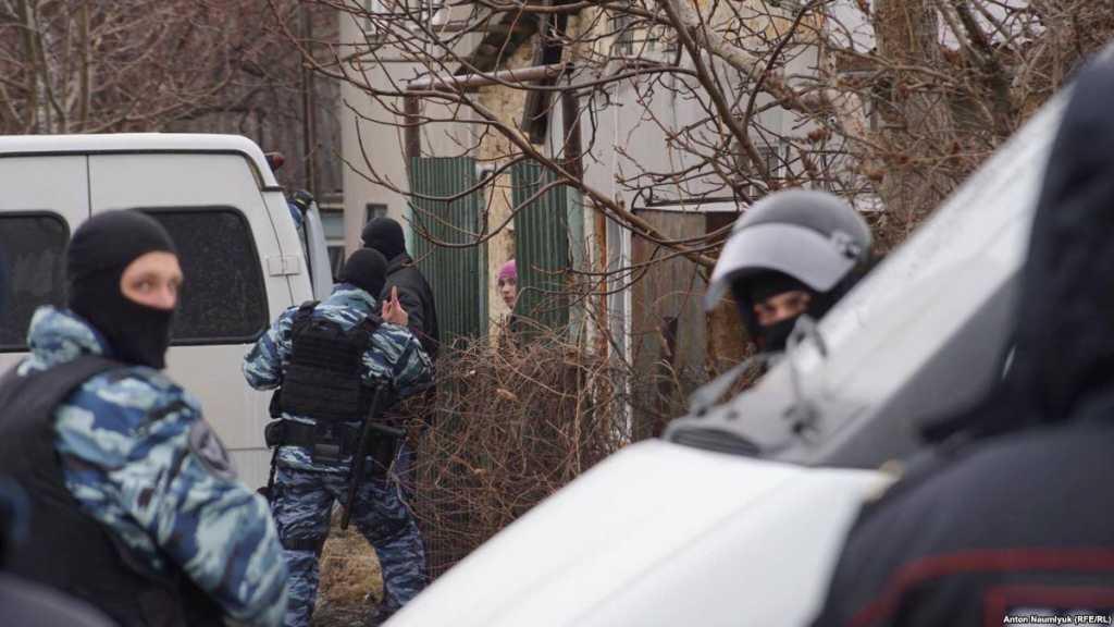 Ничего святого: 20 вооруженных силовиков захватили здание храма и устроили допрос