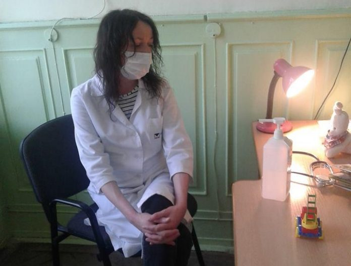«Она принимала детей навеселе»: Во Львове жестко наказали врача