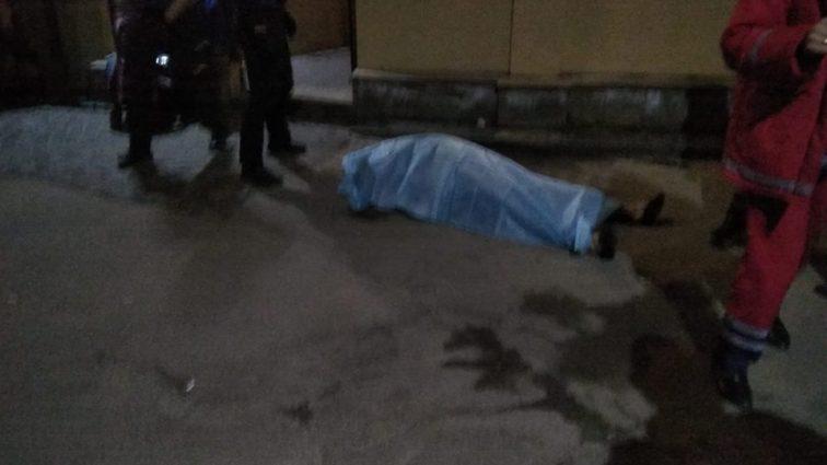 «Били по голове, ногами и руками …»: Появилось видео драки на территории ресторана «Старгород» (Видео 18+)