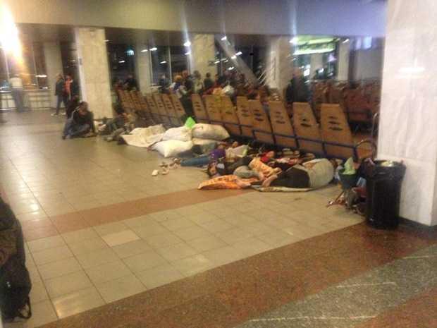 «Бессонница, блохи и невыносимая вонь»: Столичный вокзал превратили в настоящий притон