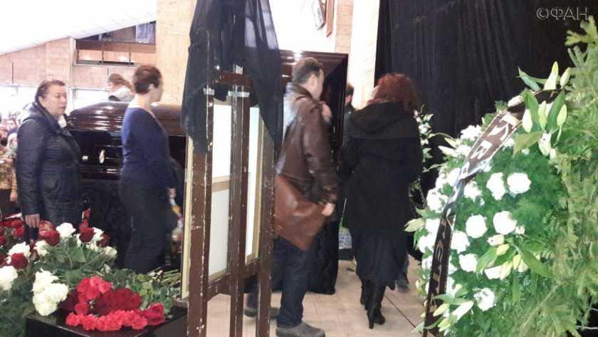 «Неожиданно для многих»: Названа причина смерти звезды сериала «Сваты»