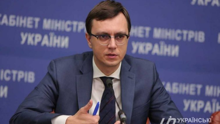 «О рождении ребенка в США — мы этого не скрывали»: Министр инфраструктуры Владимир Омельян оправдался за очередное «предательство»