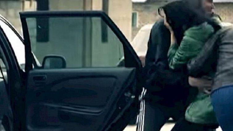 Неизвестные в Киеве похитили девушку: Полиция объявляет о плане перехвата