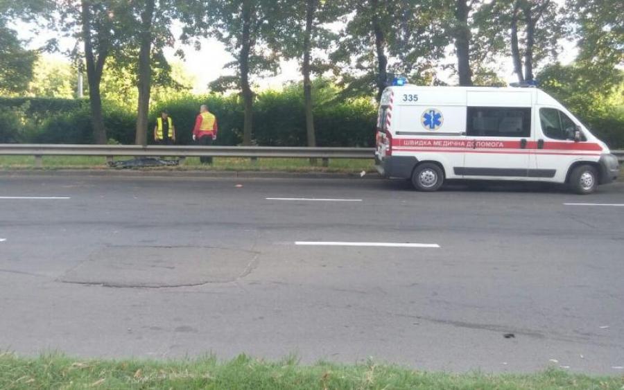 Еще одна кровавое ДТП: В Днепре водитель, не справившись с управлением, снес пешеходов и убил свою пассажирку