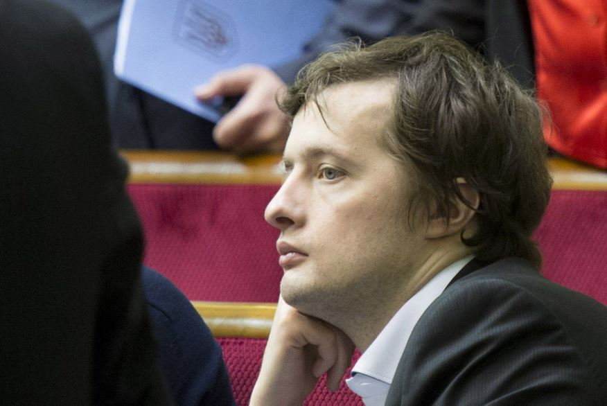 «Жил не на одну зарплату»: Порошенко-младший показал, как растут его доходы