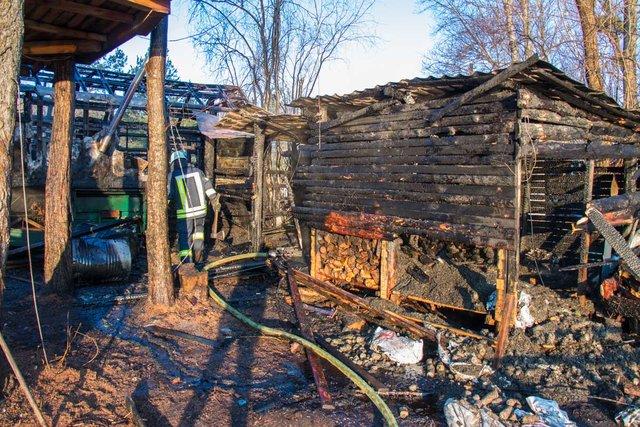 Там проживали люди: В столице мужчина погиб в Гидропарке во время пожара