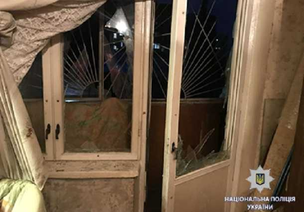 «Бросили что-то непонятное…»: На балконе квартиры прогремел взрыв, подробности