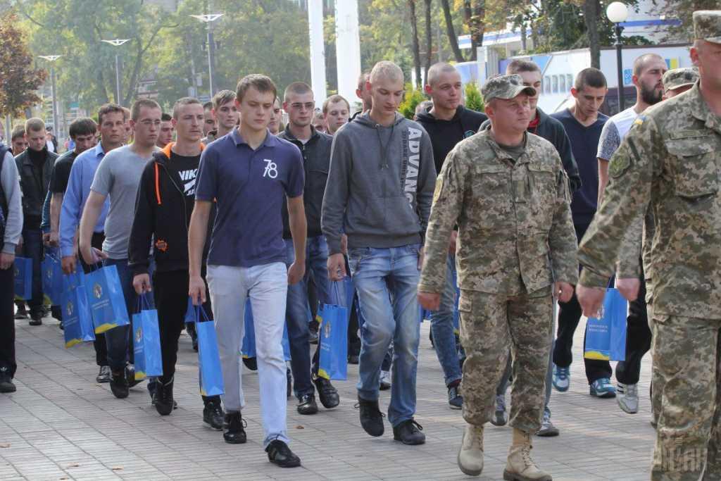 Признанных ранее непригодными будут привлекать к военной службе: Кто и как по новым правилам может попасть в армию