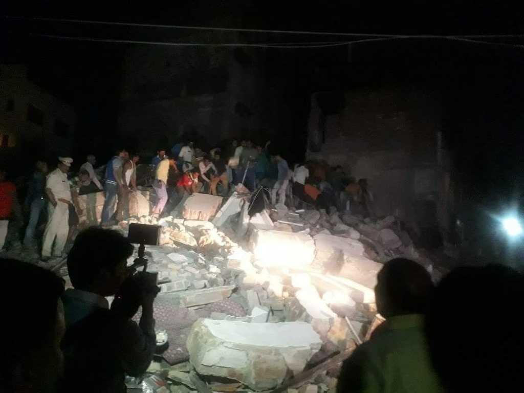 Обрушился крупный отель: Девять погибших, в ловушке под завалами более 50 человек
