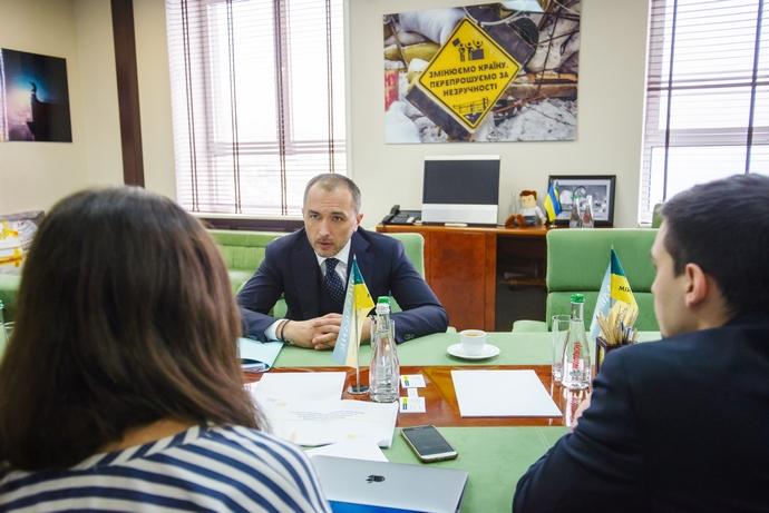 В Украине массово закрывают отделения «Ощадбанка». Названа причина