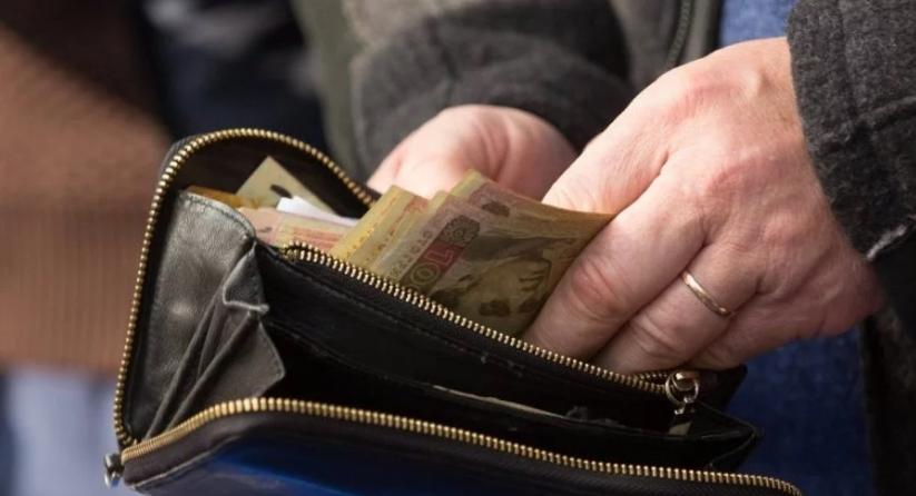 Нажились на малообеспеченных семьях Чиновники присвоили более 5 млн грн соцпомощи