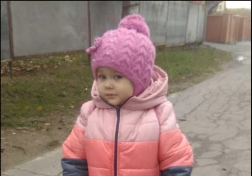 Маленькая Настя очень хочет услышать голос мамы: помогите девочке сказать свои первые слова